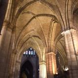 <p>Typisk gotisk stil med høje søjler</p>