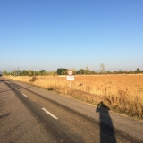 <p>Efter 3,5 km omvej er jeg på vej ind i den rigtige by</p>