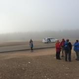 <p>Her ankommer 3 amerikanske kvinder i en taxi ved Jernkorset </p>