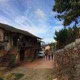 <p>På vej ind i Riego de Ambros</p>