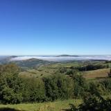 <p>Stadig skyer i dalene. Klokken er 11.59</p>
