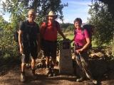 <p>Jeg, Steve og Vicky ved 100 km stenen</p>