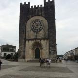 <p>Kirken i Portomarin. Den er blevet flyttet fra floden op til byen</p>