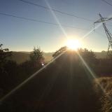 <p>solen er helt oppe kl 9</p>