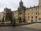 <p>Smuk bygning på vej ned mod Katedralen</p>