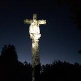 <p>Kors i mørket</p>