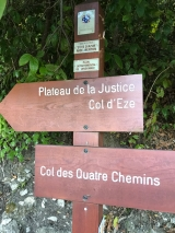 <h5>4</h5><p>Nice signs showing the way. Going to go up on Plateau de la Justice																																	</p>